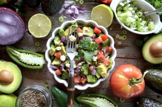 たっぷりの野菜果物サラダ