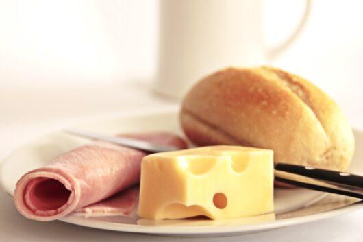 パンとハムとチーズ