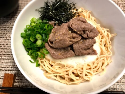 肉とろろ麺