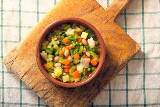 野菜と大豆のスープ