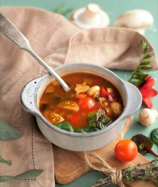 シンプルなトマトスープ